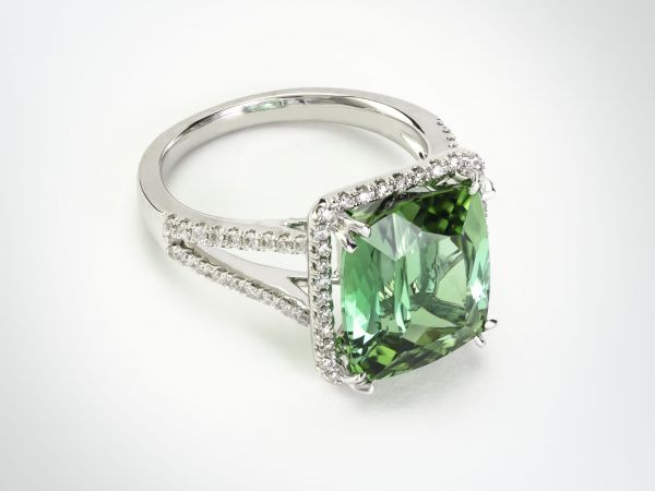 18kt White Gold Cushion Cut Mint Green Tourmaline Ring