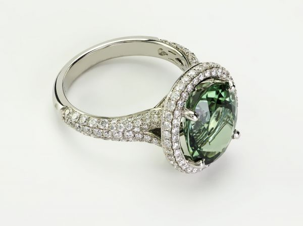 18kt White Gold Oval Green Tourmaline and Diamond Ring