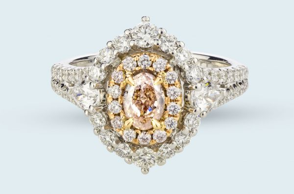 18kt White and Rose Gold Natural Oval Pink Diamond Ring