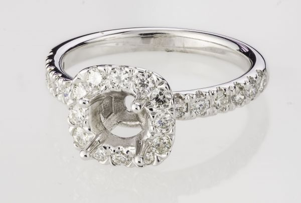 14kt White Gold Cushion Shaped Halo Mounting