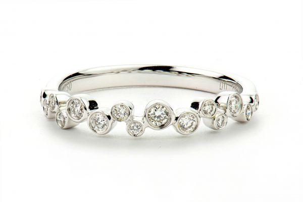 18kt White Gold Bezel Set Round Diamond Band
