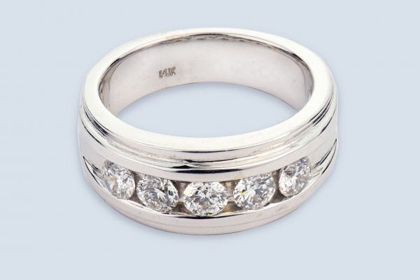 14kt White Gold Diamond Gents Band