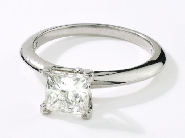 14kt White Gold Princess Cut Solitare Engagement Ring