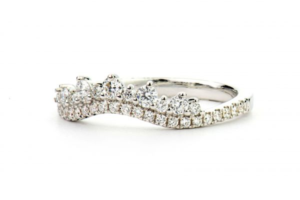 18kt White Gold Fancy Contoured Diamond Band